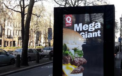 Saint-Gilles dit NON aux panneaux publicitaires digitaux