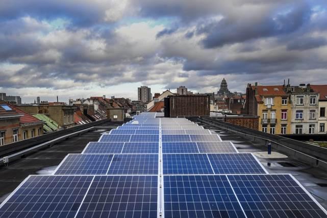 Energie : Saint-Gilles passe à la vitesse supérieure et souhaite installer des panneaux solaires supplémentaires sur 11 toits communaux